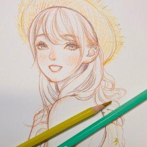 一组彩铅绘画的漂亮女孩